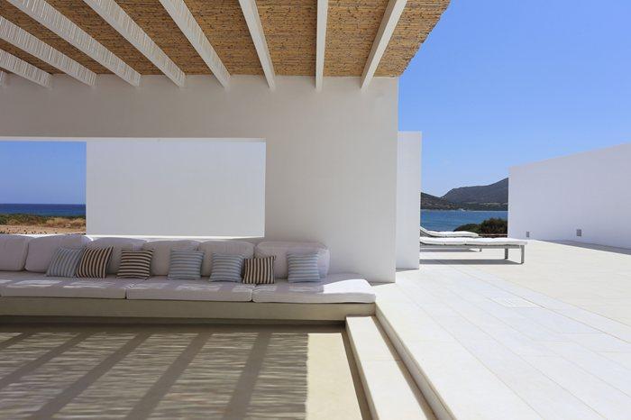Luxury summer houses - Residence de standing saota roca llisa ...