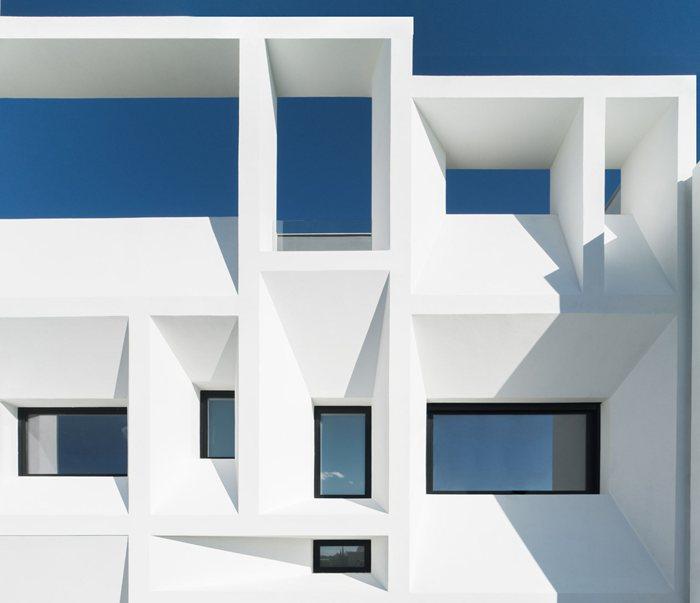 Brise Soleil House