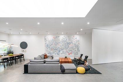 GROUNDPIECE | Sofa
