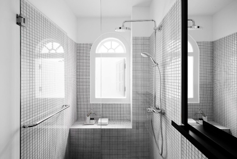 The Shape Of Water 13 Beautiful Bathrooms For All The Design