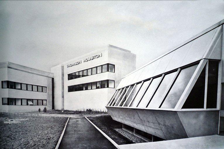 vive l 39 architecture moderne vive le brutalisme. Black Bedroom Furniture Sets. Home Design Ideas
