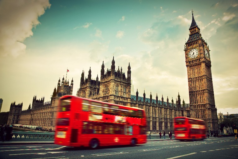 when we talk about what cities we would like to visit one day we cannot fail to notice that everyones dream is to see london london finds its place as - Must See London