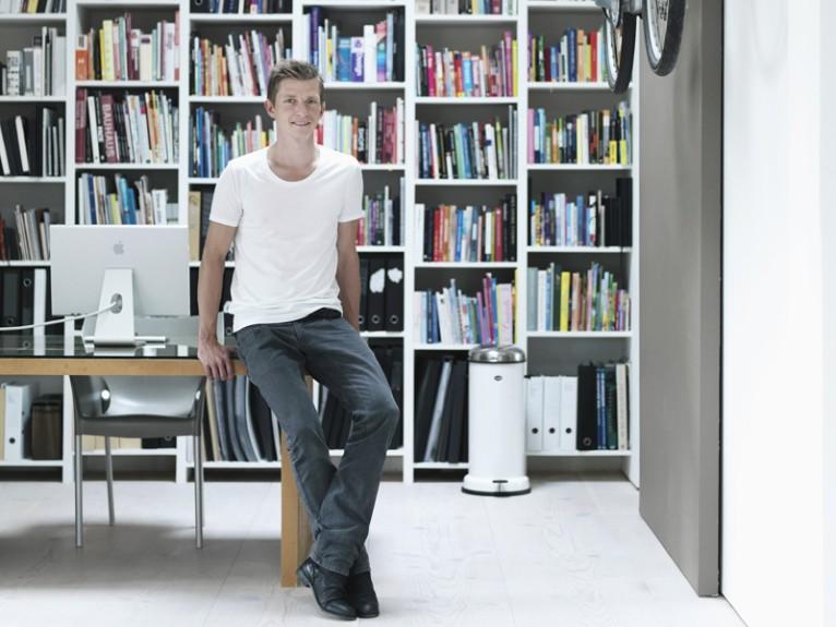 home tour morten bo jensen minimalist living. Black Bedroom Furniture Sets. Home Design Ideas