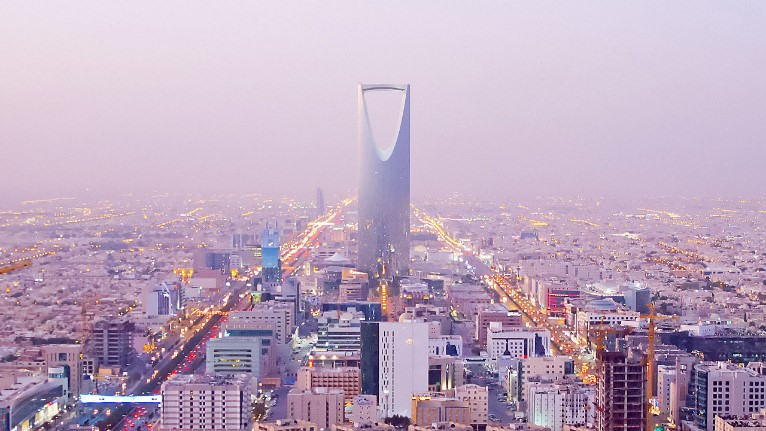 Why Gulf Countries are firing their Foreigner Employees