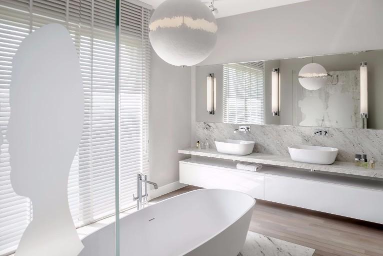 Il bagno un luogo dove volersi bene - Cinque terre dove fare il bagno ...