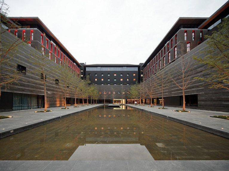 Neri hu 39 s design for the westin hotel in xi 39 an china for Design hotel xian