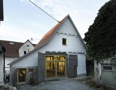 Coast Office Architecture's restyling of a 17th century stable
