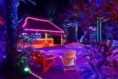 A schizophrenic Club in Miami for Prada