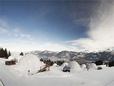 Whitepod Alpine Ski Resort: 15 igloos at 1700m above sea level