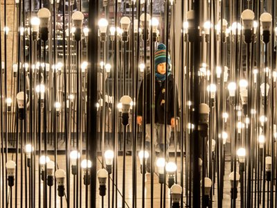 LEDscape, the suggestive maze of 1200 lightbulbs