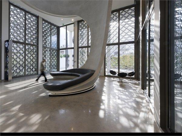 Light and architecture album on archilovers the for Banque algerienne du commerce exterieur