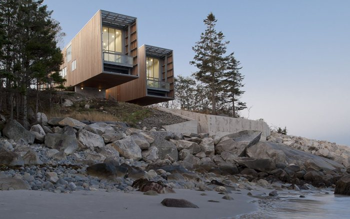 Two Hulls House