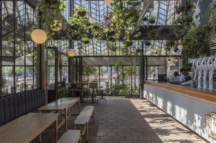 Hoegaarden Greenhouse Bar