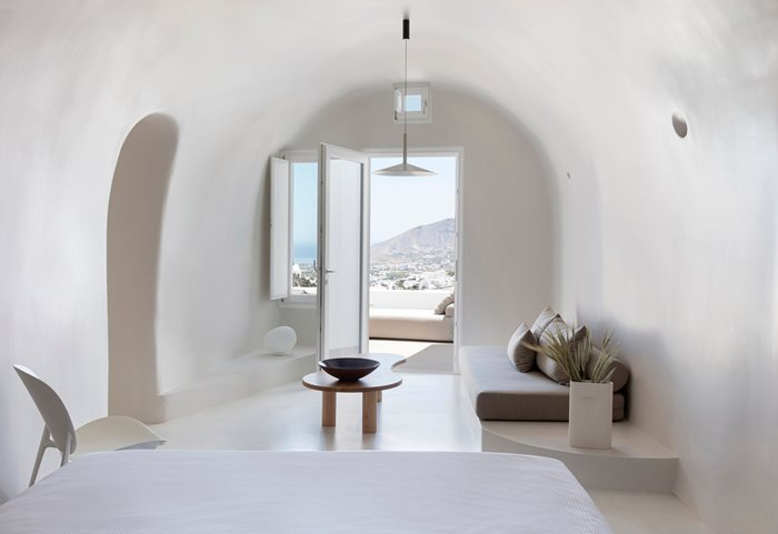 Two Summer Residences in Imerovigli