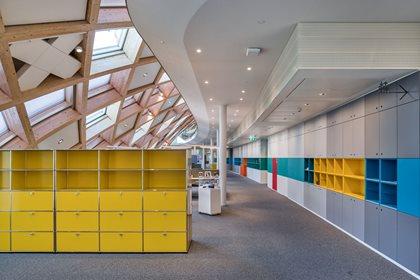 USM HALLER MODULAR OFFICE SHELVING   Office storage unit