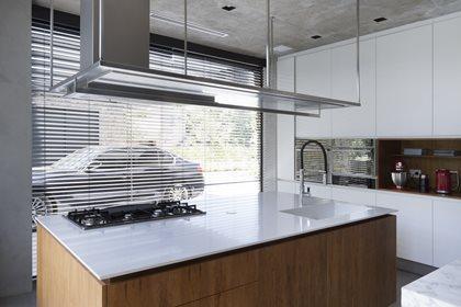 DEKTON®   Washbasin with integrated countertop