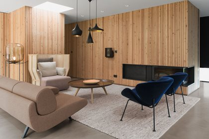 XISTERA | High-back armchair