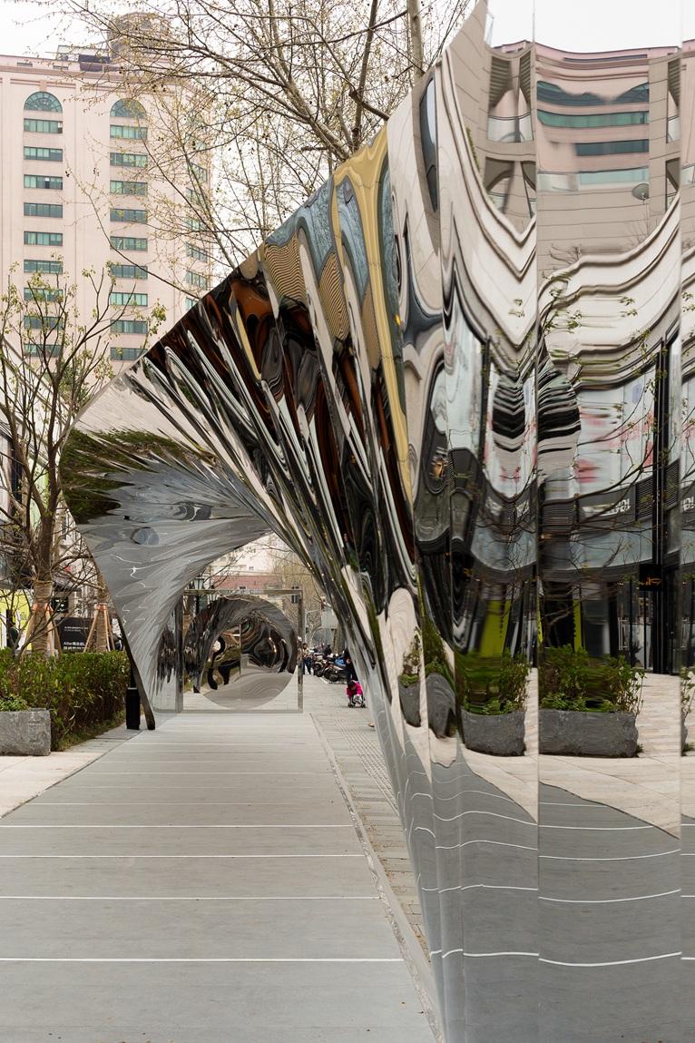Riba Windows Project 2014 Flies To Shanghai