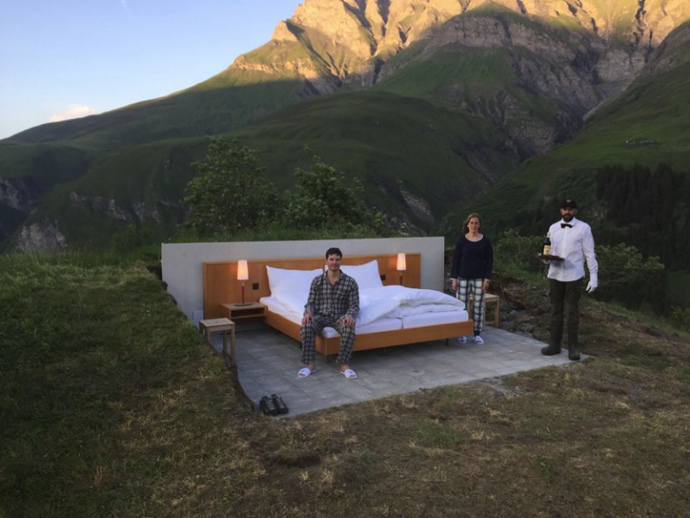 The new NULL STERN HOTEL opens...in open air!