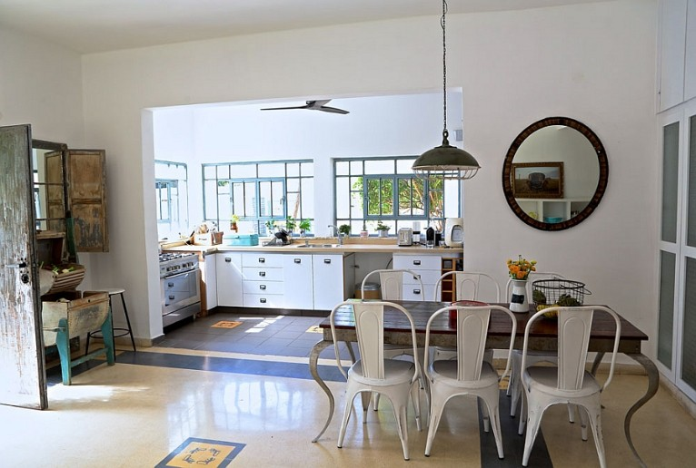 How To Design A Perfect Kitchen Within A Limited Budget