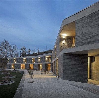 Concrete and slate for Architect Vieira de Campos' Wine Hotel